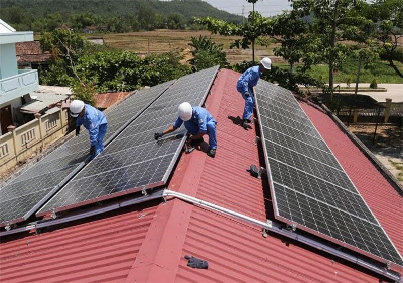 Hơn 5.000 khách hàng tại miền Trung-Tây Nguyên lắp đặt điện mặt trời mái nhà